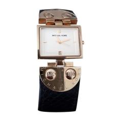Montre au poignet MICHAEL KORS Doré, bronze, cuivre