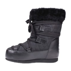 Snow Boots CHANEL Black