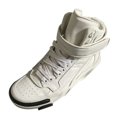 Baskets GIVENCHY Blanc, blanc cassé, écru