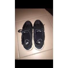 Baskets NIKE Noir