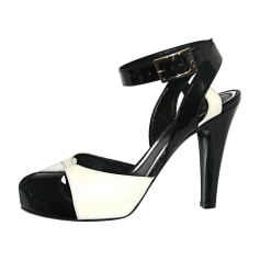 Peep-Toe Pumps FENDI Black