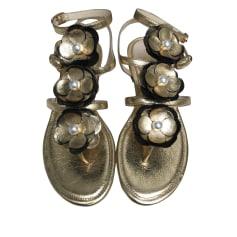 Sandales plates  CHANEL Doré, bronze, cuivre