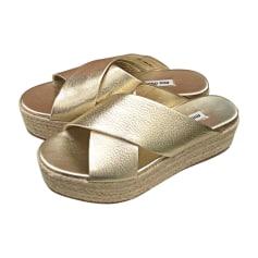 Sandales compensées MIU MIU Doré, bronze, cuivre