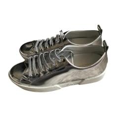 Chaussures à lacets  LOUIS VUITTON Argenté, acier