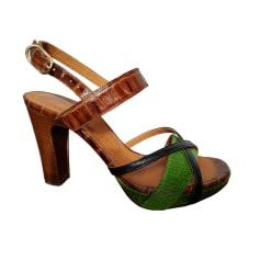 Sandali con tacchi CHIE MIHARA Multicolore