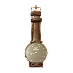 Montre au poignet DANIEL WELLINGTON Marron