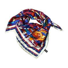 Echarpes   Foulards Chanel Femme   articles luxe - Videdressing 31f296676a9