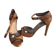 Heeled Sandals VALENTINO Beige, camel