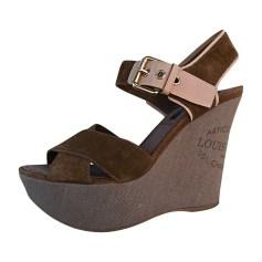 Wedge Sandals LOUIS VUITTON Beige, camel