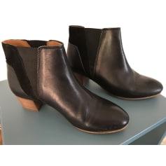 Bottines & low boots à talons KICKERS Noir