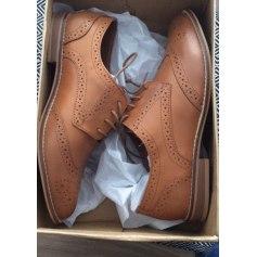 b58b77e717e2 Chaussures à lacets ASOS Beige