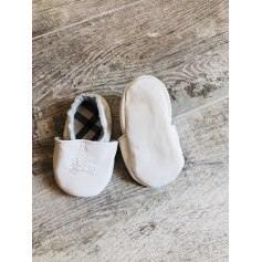 Ciabatte BURBERRY Bianco, bianco sporco, ecru