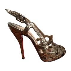 Sandali con tacchi CHRISTIAN LOUBOUTIN Dorato, bronzo, rame