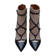 Bottines & low boots à talons VALENTINO Beige/Noir