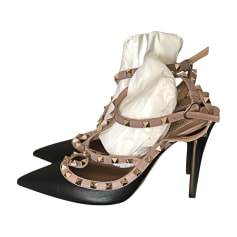 4bc782b7b89a Chaussures à boucles VALENTINO Noir