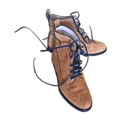 Bottines & low boots plates STUART WEITZMAN Marron