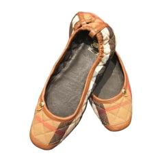 Chaussons & pantoufles BURBERRY Beige, camel