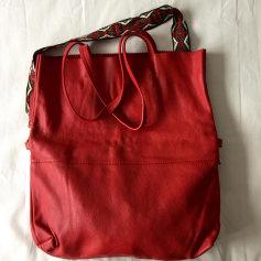 200f4728252 Sacs à main en cuir Galeries Lafayette Femme   articles tendance ...