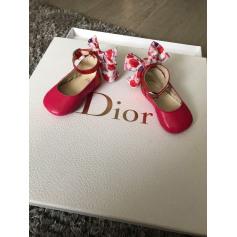 8bd8fd01964 Chaussures Bébé de marque   luxe pas cher - Videdressing