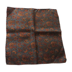 93d435e6f286 Echarpes   Foulards Givenchy Homme   articles luxe - Videdressing