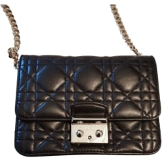 97068be8d47923 Pochettes Dior Femme   articles luxe - Videdressing