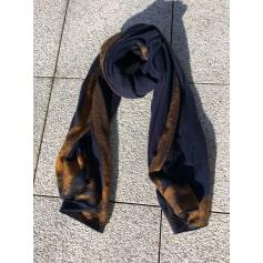 Scialli Zara Donna   articoli di tendenza - Videdressing bb600942c7b