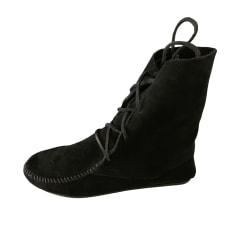 Disponible sur Paris : Femme, Chaussures, Bottines & low boots, Minnetonkas, Minnetonka, , , Noir, 37, Daim, Boots en daim noir taille 37 - Etat neuf non porté.