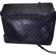 e310d5e7bf9b6 Schultertasche Louis Vuitton