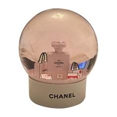 Je veux voir plus de Maquillages biens notés par les internautes et pas  cher ICI. Trousse de toilette Chanel 2686519e561