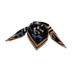 ae0ee78aef1 Echarpes   Foulards Chanel Femme Noir   articles luxe - Videdressing