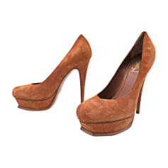 4376e60fa62a8 Chaussures Tribute Yves Saint Laurent Femme   articles luxe ...