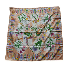 Echarpes   Foulards Gucci Femme occasion   articles luxe - Videdressing 2fa532e3748
