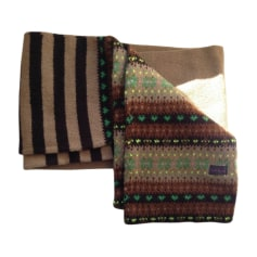 Echarpes   Foulards Paul Smith Femme   articles luxe - Videdressing 8599ca362e9