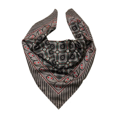 8cb52210cf27 Echarpes   Foulards Gucci Femme   articles luxe - Videdressing