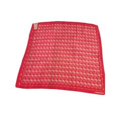 f36bbe2be1f8 Foulards Femme Soie Rouge, bordeaux de marque   luxe pas cher ...