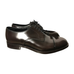f881dbdff9a12f Chaussures à lacets Prada Homme   articles luxe - Videdressing