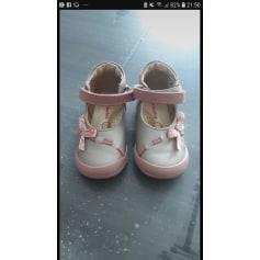 bba03526da3fd0 Chaussures Vertbaudet Fille   articles tendance - Videdressing