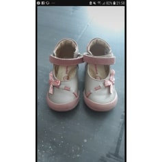 Chaussures Vertbaudet Fille   articles tendance - Videdressing 156ef5049b62