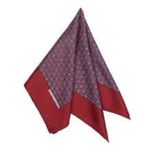 Echarpes   Foulards Hermès Femme occasion   articles luxe - Videdressing f16c9626451