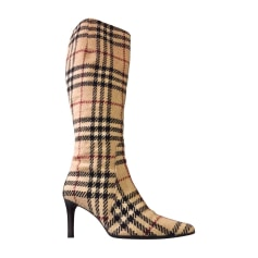 2704eb84414 Chaussures Burberry Femme occasion   articles luxe - Videdressing