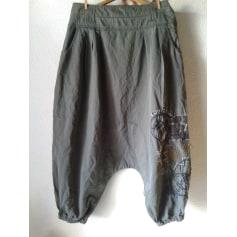 65e4bff55107 Pantalons Desigual Femme   articles tendance - Videdressing