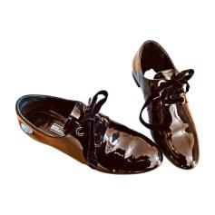 Chaussures Prada Femme   articles luxe - Videdressing 892908975e1