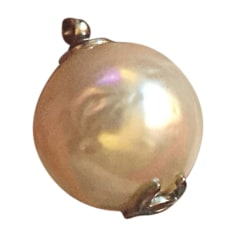 Pendentif, collier pendentif CHANEL Blanc, blanc cassé, écru