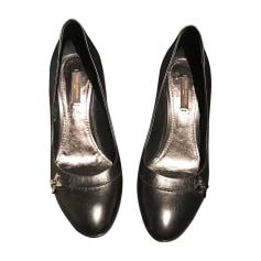 Chaussures Louis Vuitton Femme   articles luxe - Videdressing 25b9def41eb