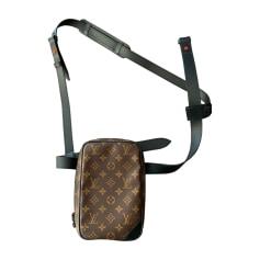 426581f55d1 Sacs en bandoulière Louis Vuitton Homme   articles luxe - Videdressing