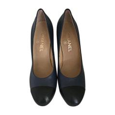 f283a4cf2cd6de Escarpins Chanel Femme neuf : articles luxe - Videdressing