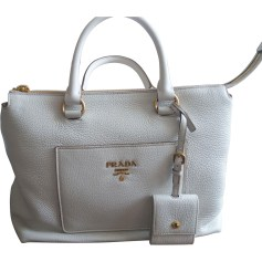 1f2b0a521c04 Sacs en cuir Prada Femme neuf   articles luxe - Videdressing