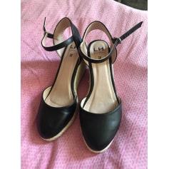 Chaussures Tendance Pieds La FemmeArticles SandalesNu Halle Aux PZikuX