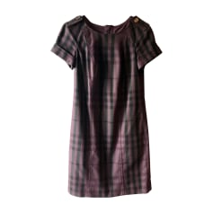 2aa53556eb44 Vêtements Burberry Femme occasion   articles luxe - Videdressing