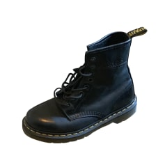 b97403fba65f Chaussures Dr. Martens Femme occasion   articles tendance - Videdressing